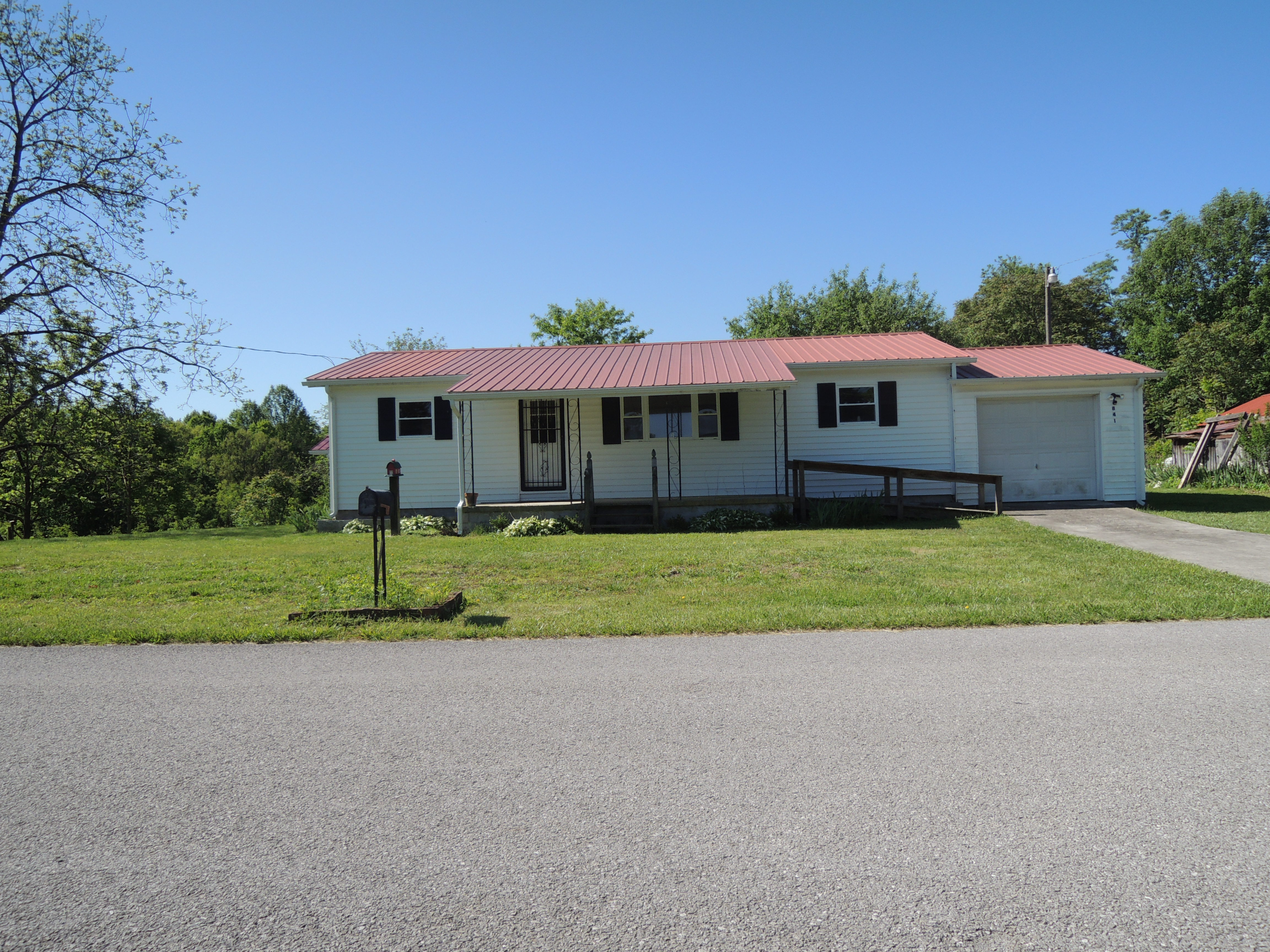 #1538 – 841 Yellow Cliff Rd.