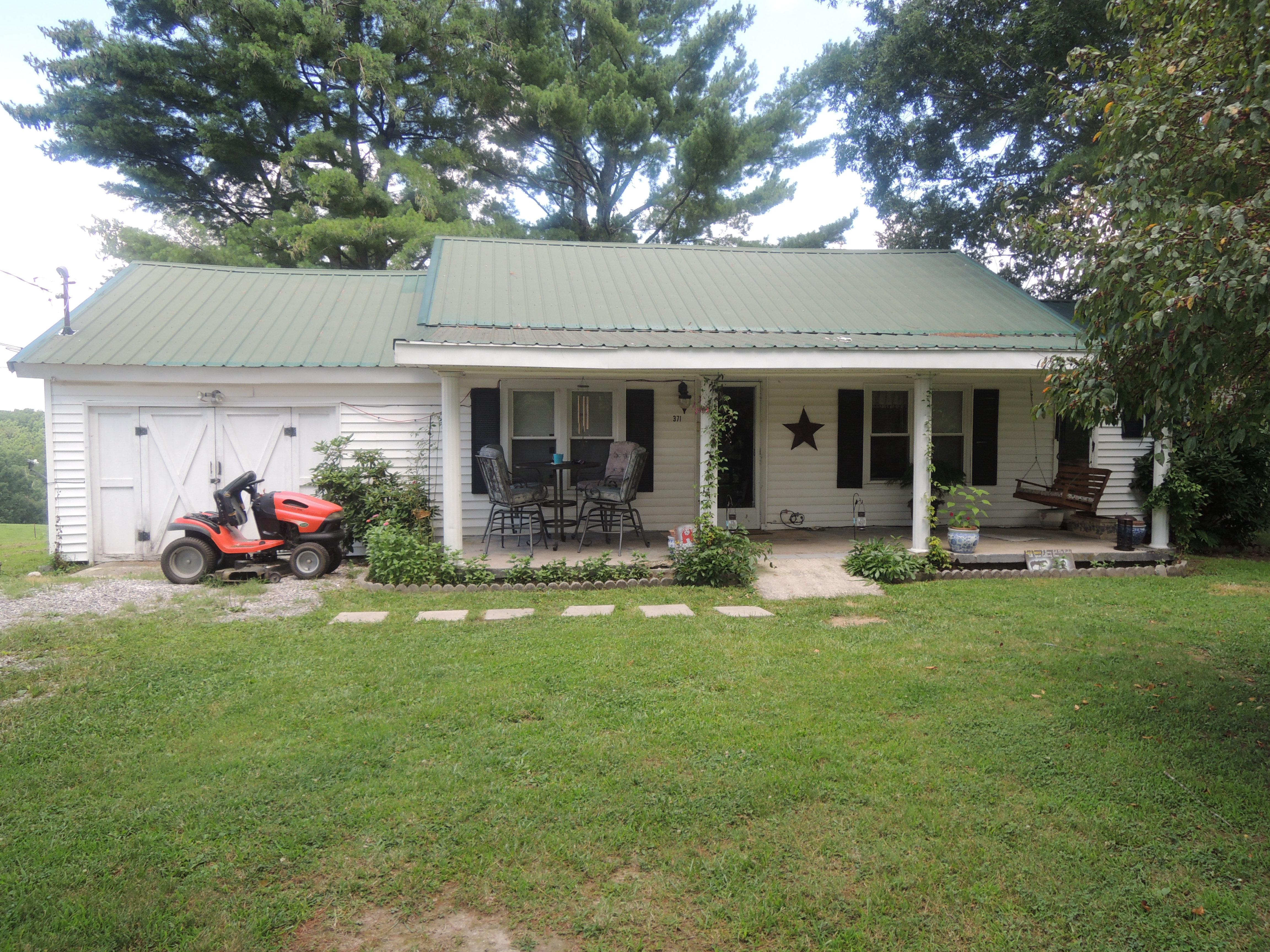 #1644 – 371 Billy Ridge Rd.